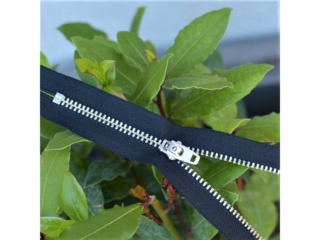 kalhotový kovový zip YKK - 14 cm, černý
