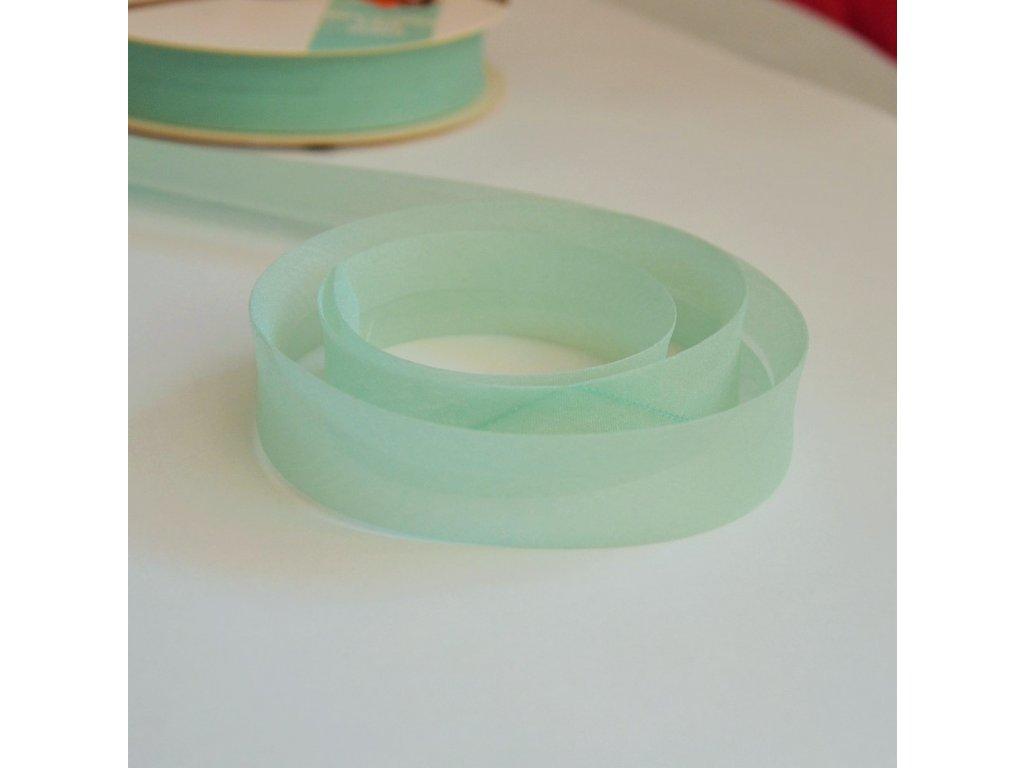 0,5 m šikmý proužek zažehlený zelený 18 mm (organza)