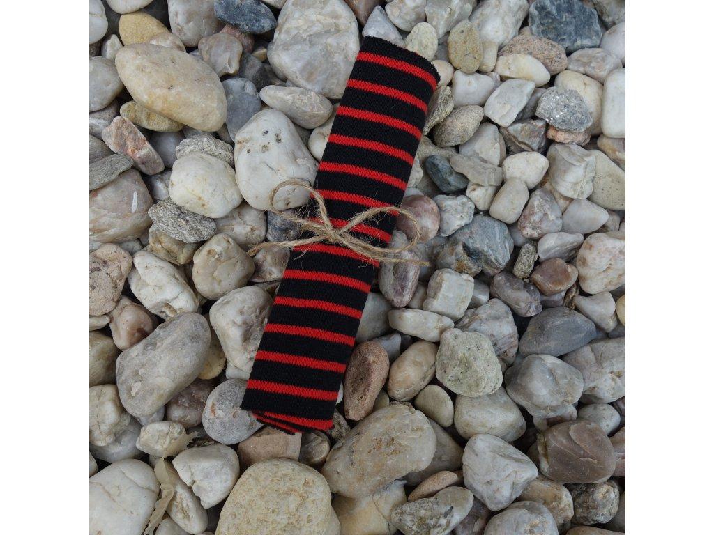 náplet jemný 15 x 70 cm proužky černo červené