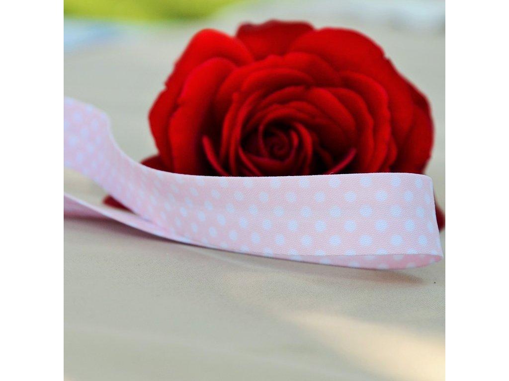 0,5 m šikmý proužek jemně růžový s puntíky 18 mm (bavlna/polyester)