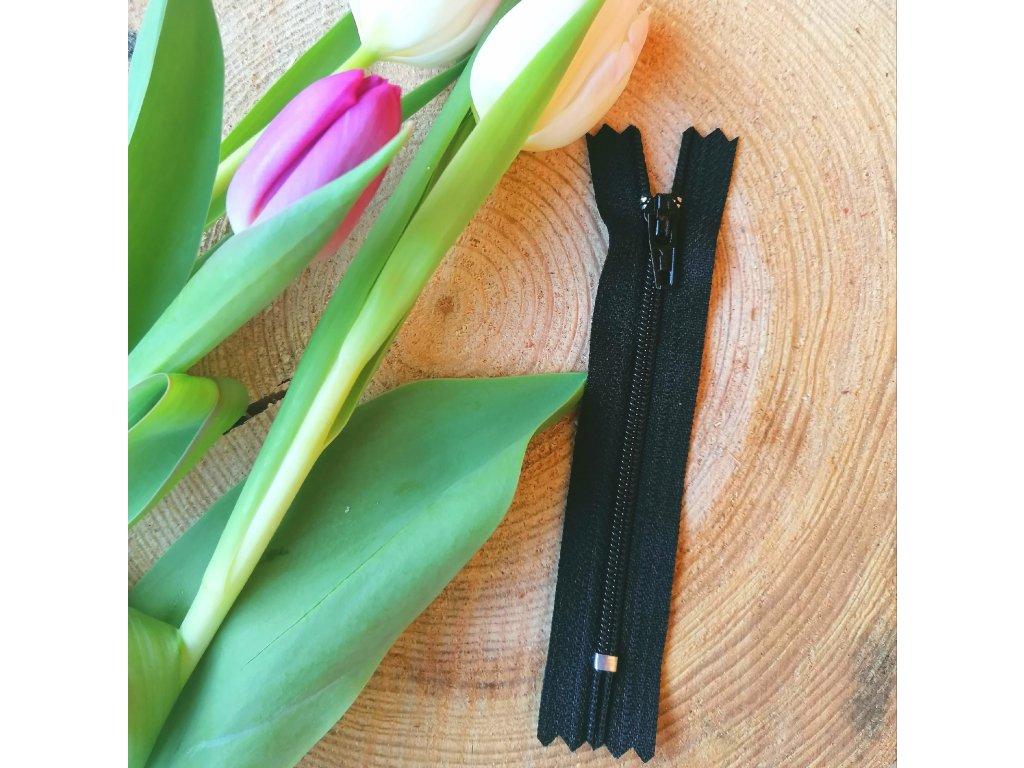nedělitelný spirálový zip YKK, vel. 3 - 10 cm, černá