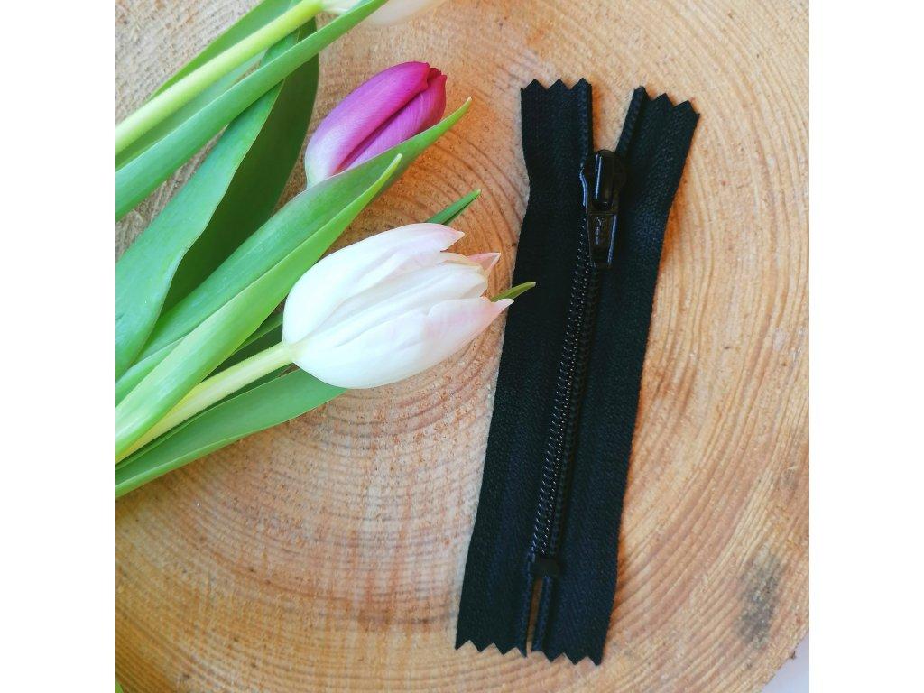 nedělitelný spirálový zip YKK - 10 cm, černý