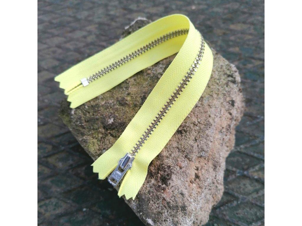 nedělitelný kovový zip YKK stříbrné zuby, vel. 4 - 20 cm, žlutý