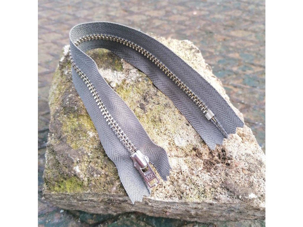 nedělitelný kovový zip YKK stříbrné zuby, vel. 4 - 20 cm, šedý