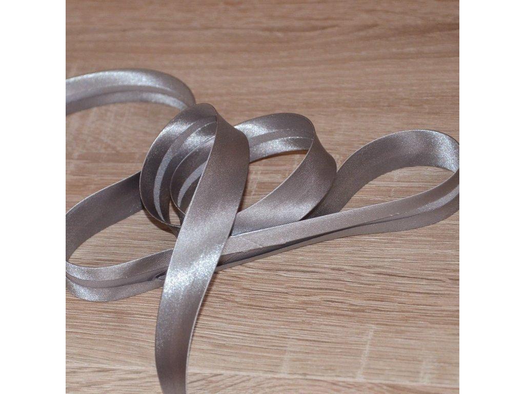 0,5 m saténový šikmý proužek zažehlený šedý 18 mm