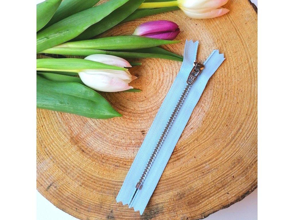 kalhotový kovový zip YKK - 12 cm, světle modrý