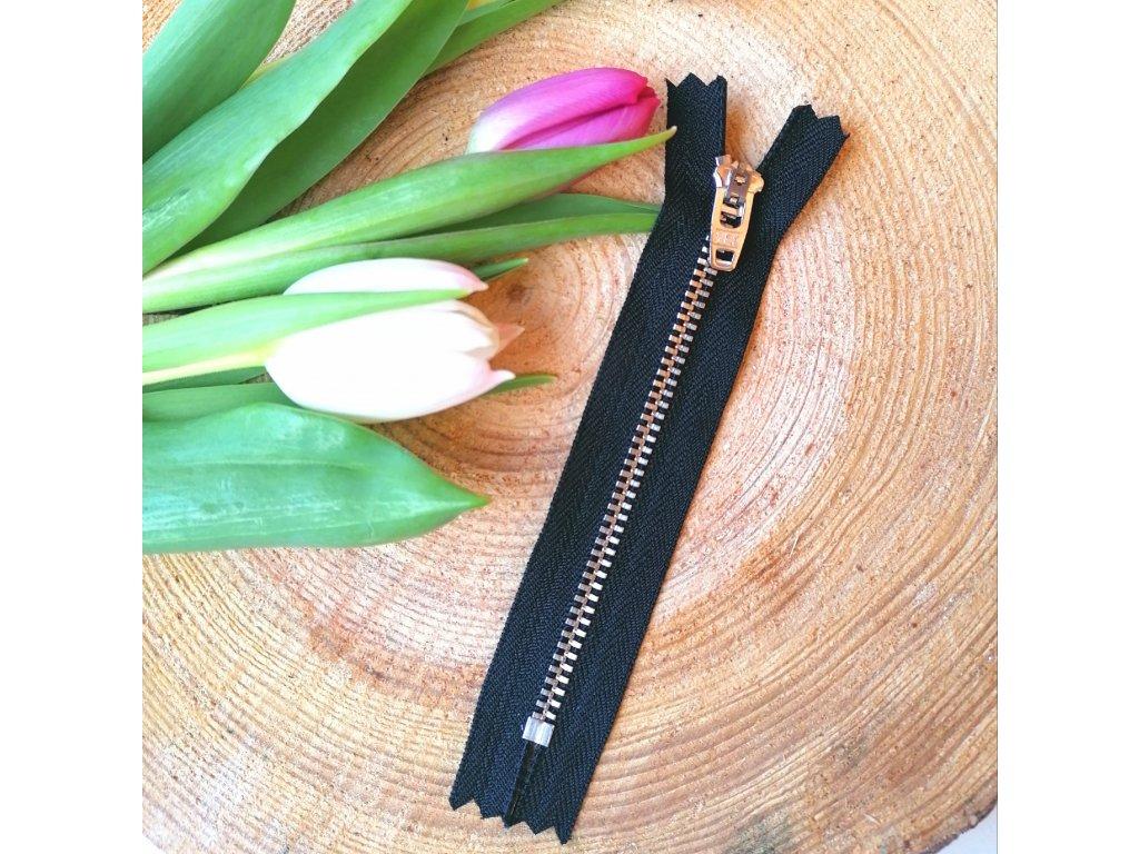 kalhotový kovový zip YKK - 12 cm, černý