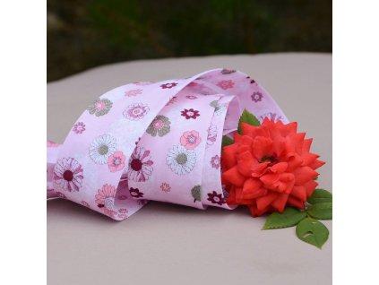 205 cm šikmý proužek růžové květy 30 mm (100% bavlna)