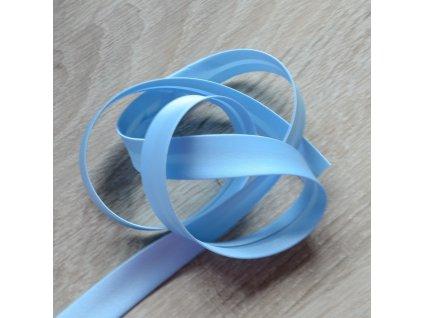 0,5 m saténový šikmý proužek světle modrý 18 mm
