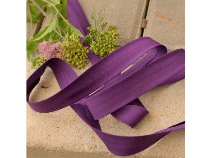 0,5 m šikmý proužek tmavě fialový plátno s elastanem (3% elastan)