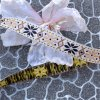 0,5 m stuha flowers beige 15 mm
