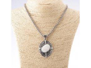 Prívesok s perleťou v gréckom štýle na retiazke