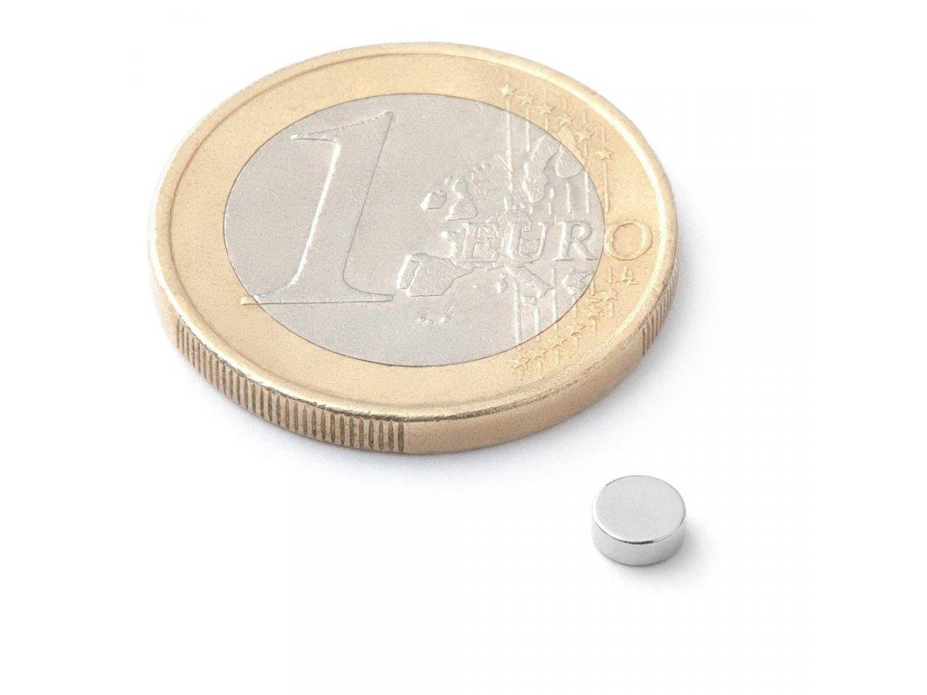 Extra silný neodymový magnet kruhový 4x1,5mm