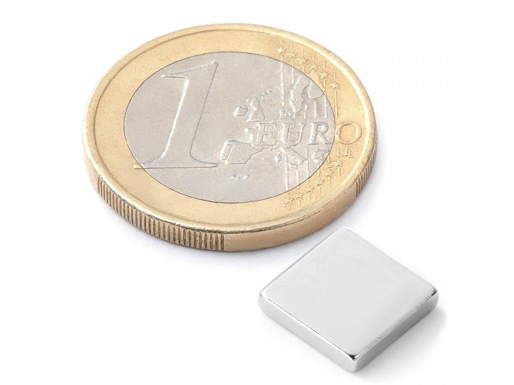 Extra silný 10x10x2mm neodymový magnet čtvercový