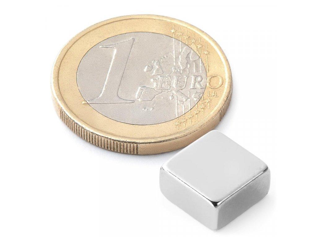 Extra silný 10x10x5mm neodymový magnet čtvercový