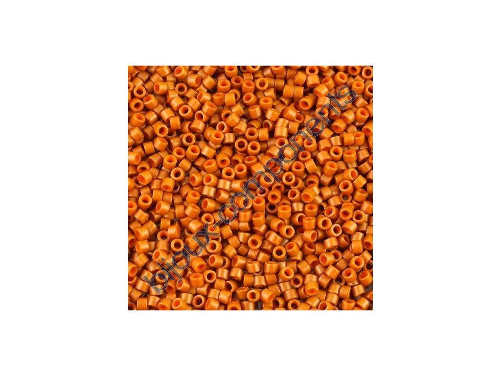 Miyuki Delica, Matte Opaque Sieanna Dyed, vel.1,6 mm, průtah 0,8 mm