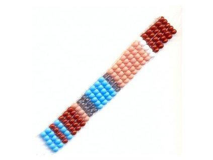 Korálkový pásek navlečený na silonu cca 70x10 mm