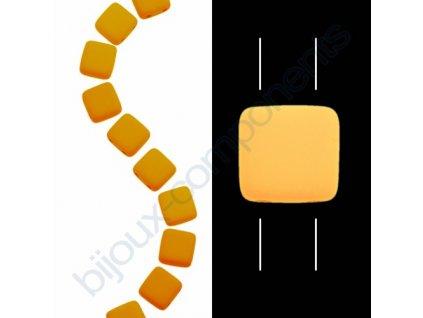 Skleněné neonové korálky s UV efektem mačkané, dvoudírkové čtverečky styl Tile, světle oranžové