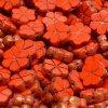 Ploškované korálky - malé kytičky - oranžovo červené