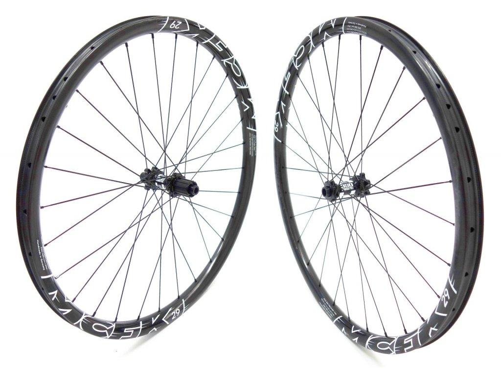 "1425g Karbonová zapletená kola MCFK Wheelset 29"" MTB Carbon UD-Look, DT 350 Straightpull"
