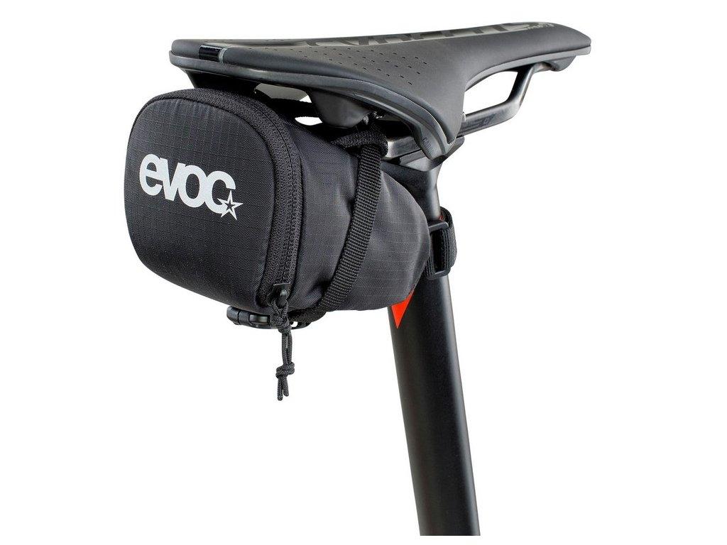 Podsedlová brašna EVOC SEAT BAG, M, black, 48g