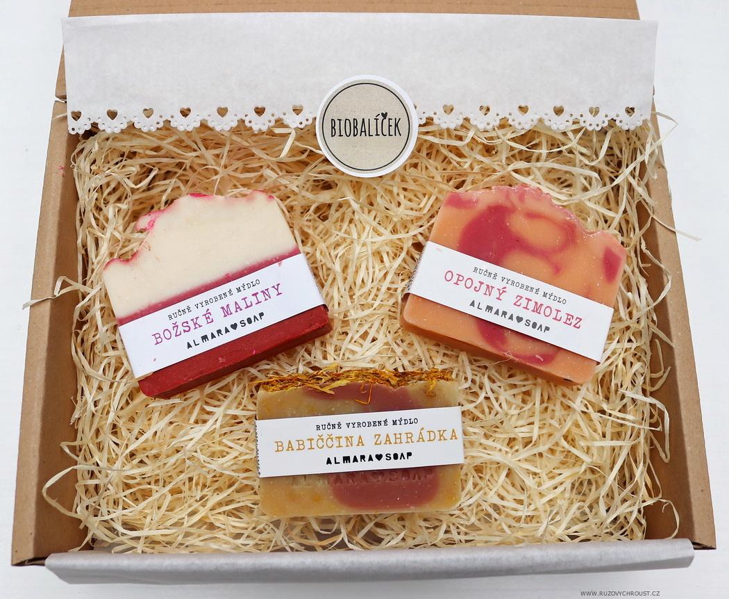 Růžový chroust: ALMARA SOAP 3 přírodní mýdla (Božské maliny, Babiččina zahrádka, Opojný zimolez)