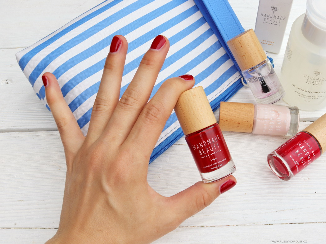 Růžový chroust: HANDMADE BEAUTY Laky na nehty (Cherry, Apple, Guava), top coat Fast Dry a odlakovač