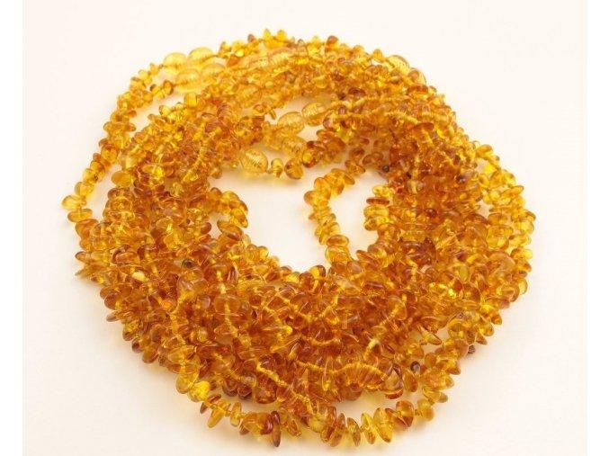 Jantarové korálky pro děti, tvar Chips, v barvě MED cca 30-32 cm