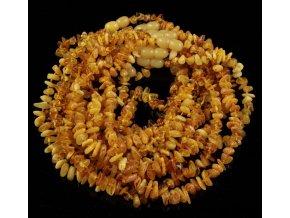 Jantarové korálky pro děti ve tvaru Chips v barvě MÁSLOVÉ, cca 30-32 cm
