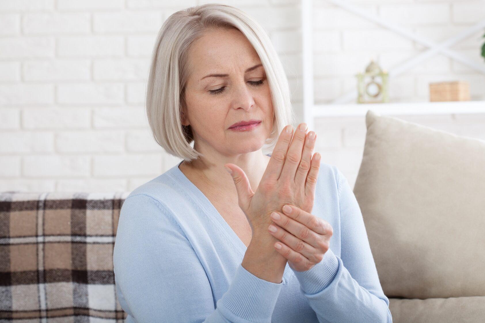 Parkinsonova choroba: Príčiny, príznaky a liečba