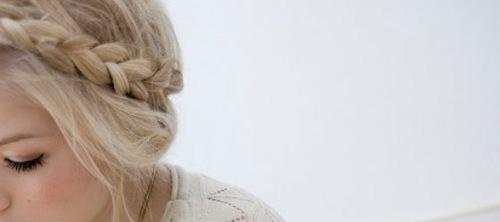 jak-zesvětlit-vlasy-přírodní-cestou-1