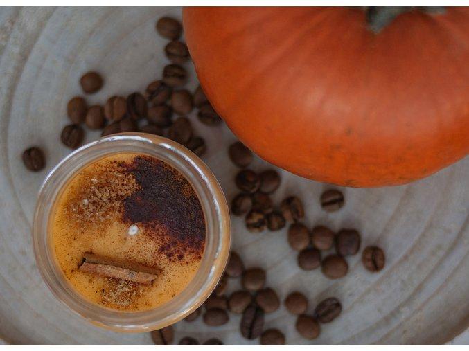 na kopecku sojova svicka dynove latte