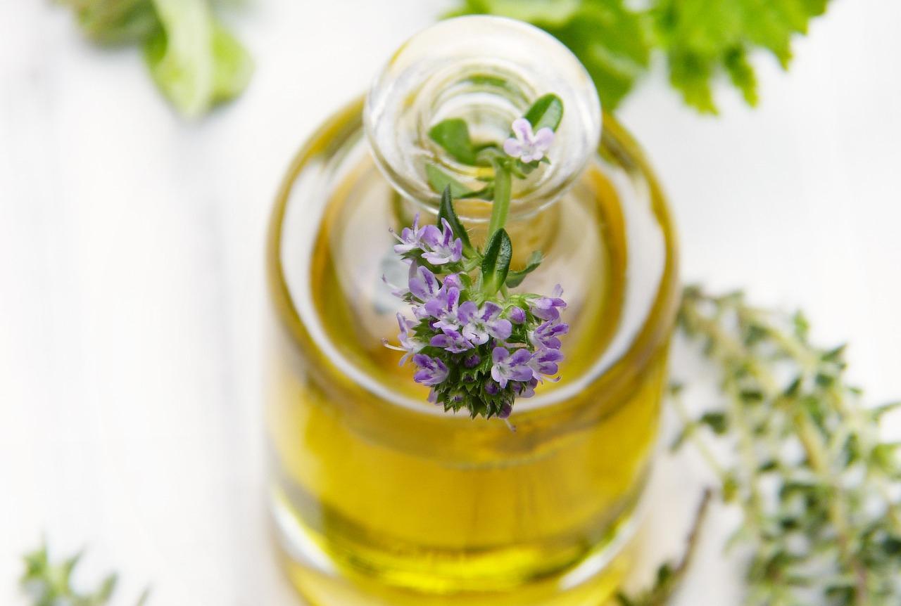 """10 důvodů, proč vyzkoušet rostlinné oleje a másla """"na vlastní kůži"""""""
