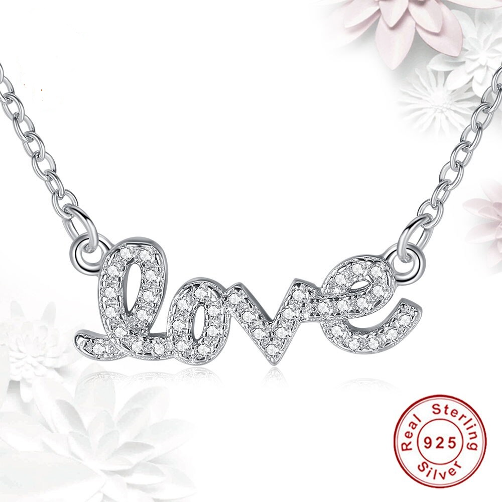 925 strieborný náhrdelník s nápisom LOVE
