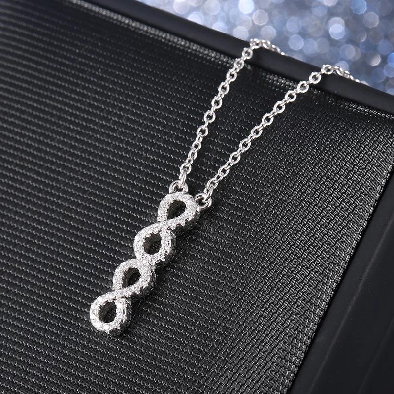 Strieborný 925 náhrdelník so spojenými osmičkami