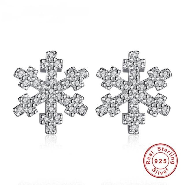 925 strieborné náušnice v tvare snehovej vločky