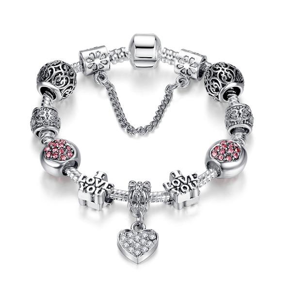 Strieborný náramok štýl Pandora s nápisom I LOVE YOU a s visiacim srdiečkom