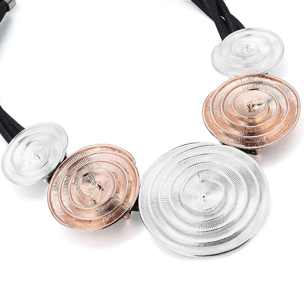 Náhrdelník so striebornými a ružovo - zlatými kruhmi