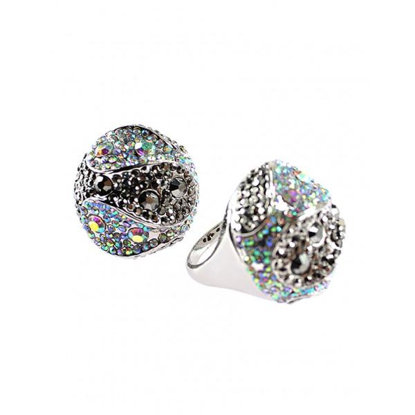 Výrazný okrúhly prsteň s kamienkami