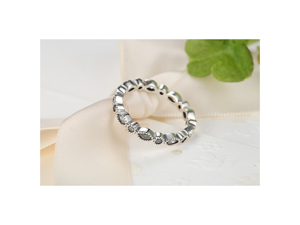 1516 strieborny prsten styl pandora zdobeny zirkonmi