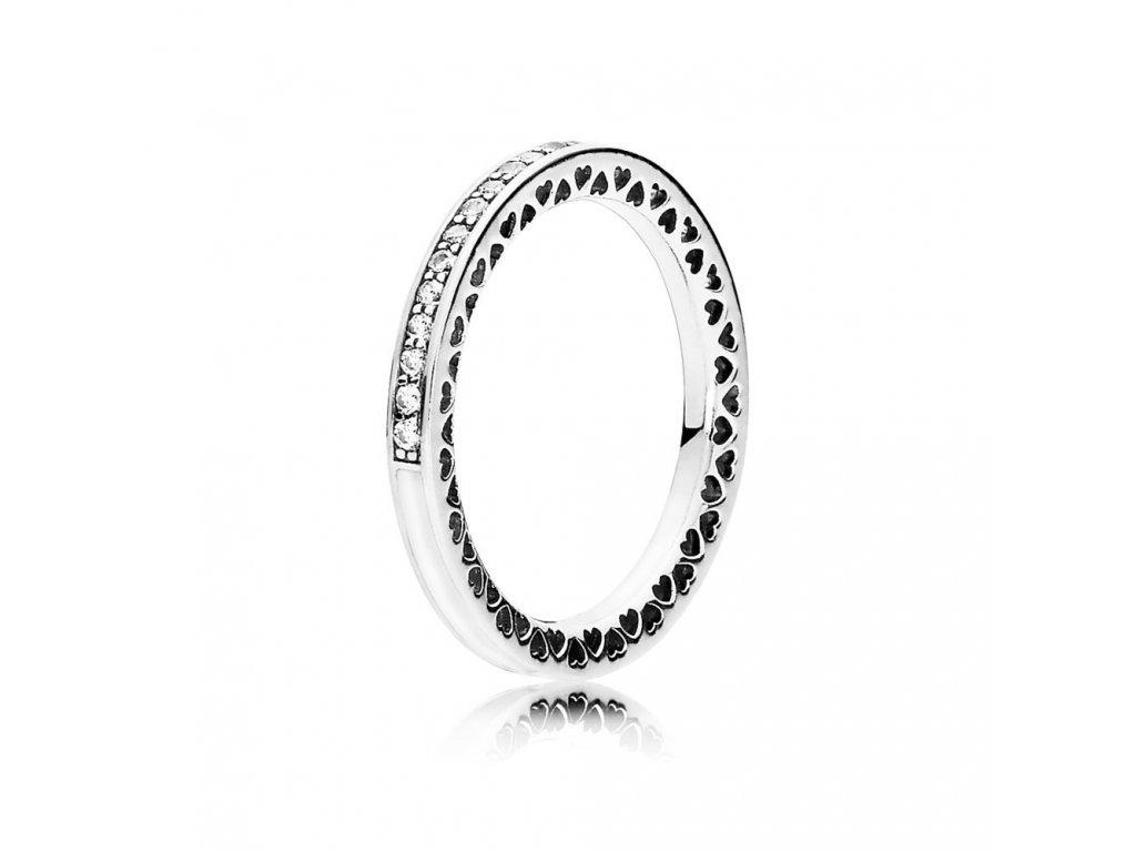 Strieborný prsteň štýl Pandora biely srdcia Pandory (veľkosť prsteňa 56)