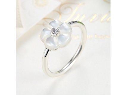 3301 damsky strieborny 925 prsten s bielym kvietkom 2