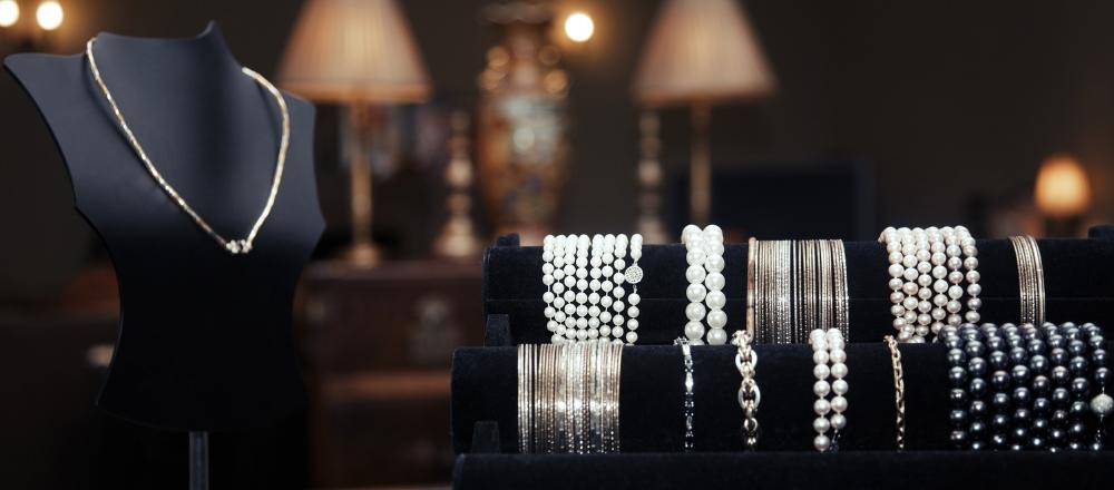 Jak kombinovat šperky?