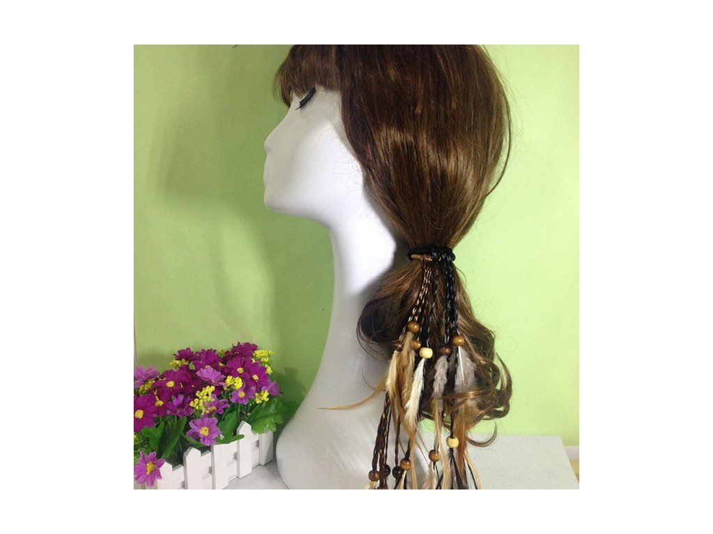 e073f21e7a8 ozdoba2. 1 z 2. ozdoba. Stylová gumička do vlasů s peřím.