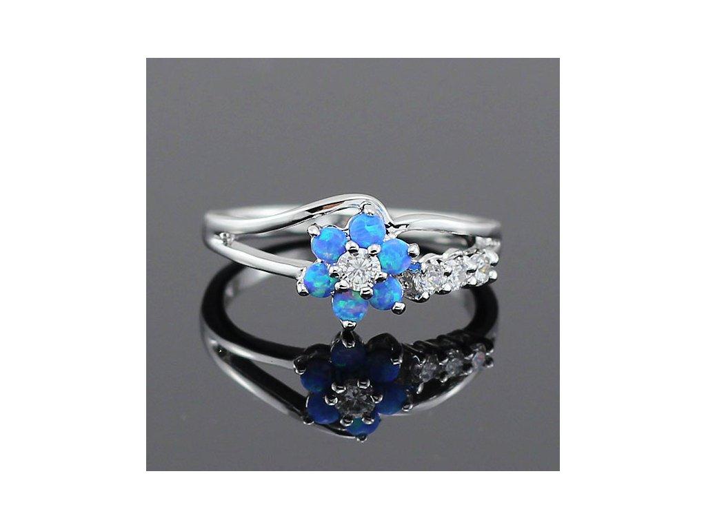 Dámský prsten ČTYŘLÍSTEK s modrým OPÁLEM - bílé pozlacení (Velikost prstenu 59mm)