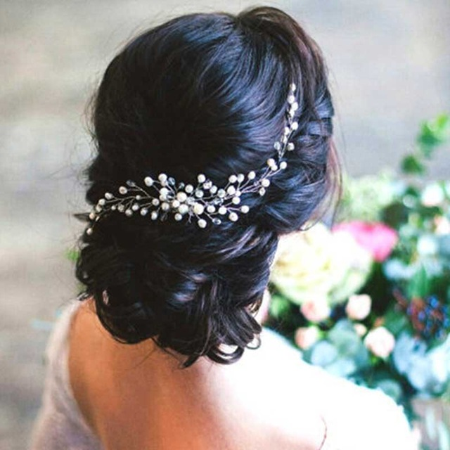 dd0ecc48f93 B-TOP Svatební hřeben do vlasů S PERLAMI A KAMÍNKY - bílá stříbrná
