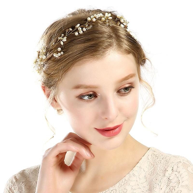 f90a9969fc4 B-TOP Svatební ozdoba do vlasů S PERLAMI A KAMÍNKY - bílá zlatá