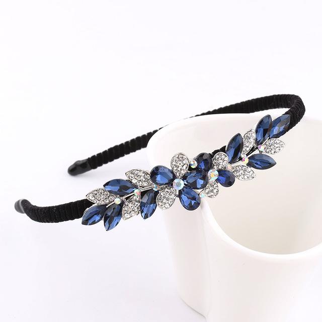 8ebdc9f4445 B-TOP Čelenka do vlasů s kamínky ve tvaru KVĚTU - modrá stříbrná