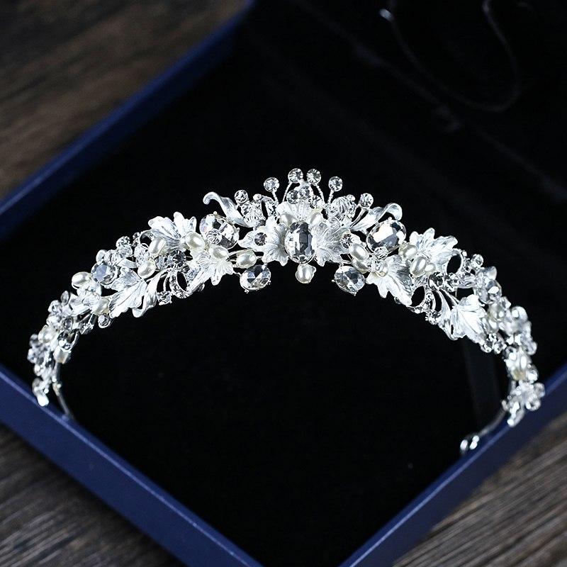 895b304537e B-TOP Luxusní svatební korunka Pearl Flower - stříbrná