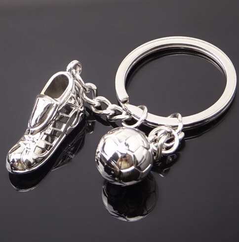 B-TOP Přívěsek na klíče ve tvaru fotbalové kopačky a míče - stříbrný